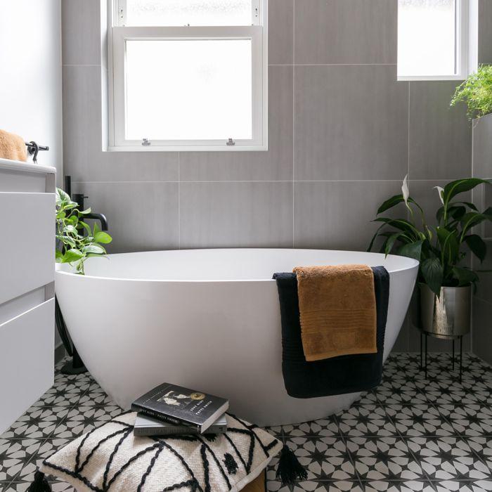 Esseta Bath