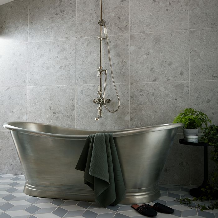 Tin Boat Bath